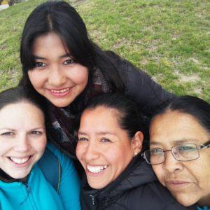Ángela Chicharro: «Las mujeres bolivianas son el espejo donde me sigo mirando. El ejemplo de tantas mujeres con nombre propio, lugar donde quitarse las sandalias porque su vida es tierra santa»